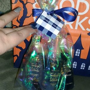 Bath and Body Work's gift bag bundle